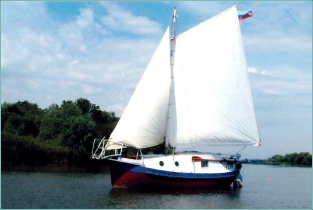 Яхта из шлюпки